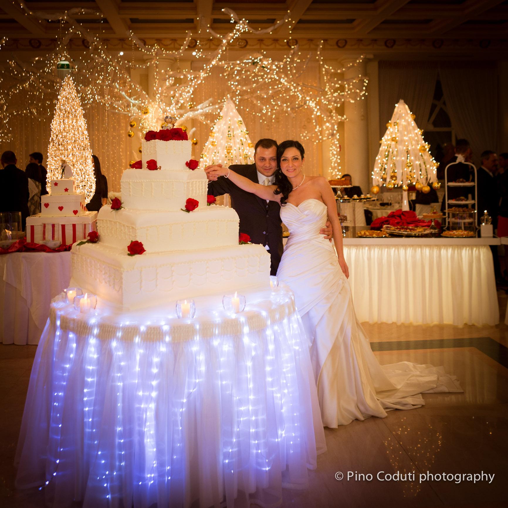 Matrimonio Natale Puglia : Torta nuziale natalizia matrimonio pino coduti