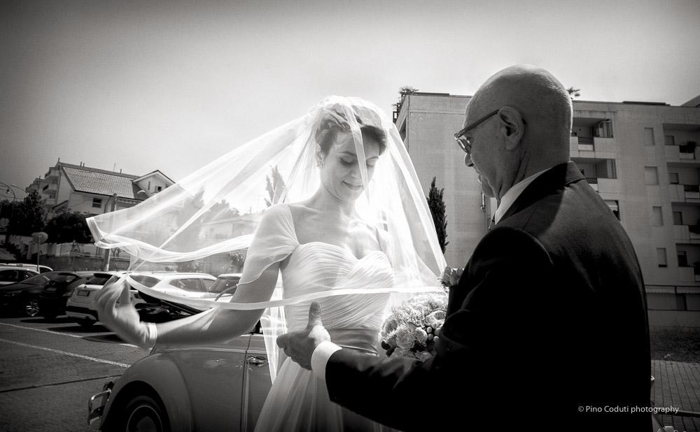 Il velo della sposa è illuminato