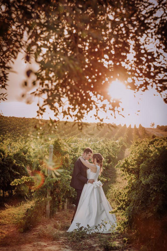 Sposi fotografati tra i vigneti di Abruzzo