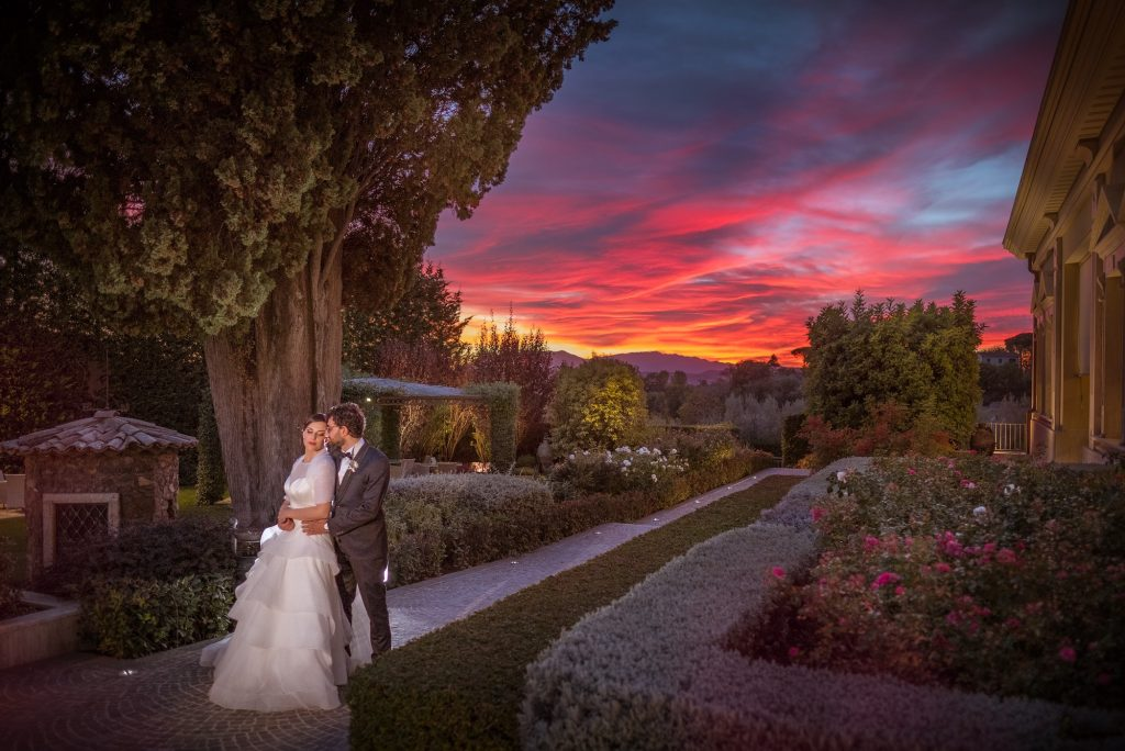 Sposi e tramonto